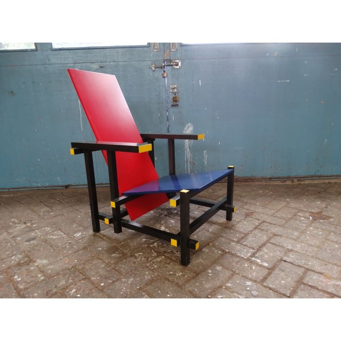 Gerrit Rietveld by Cassina - Red and Blue chair
