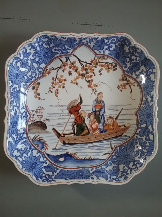 Gien plate with asian motifs