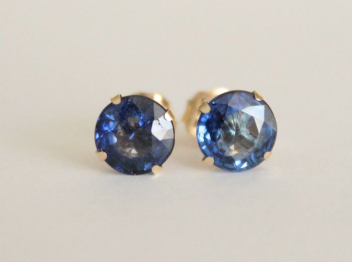 14 kt Gold earrings with natural Sapphires of 1.20 ct ***No reserve price***