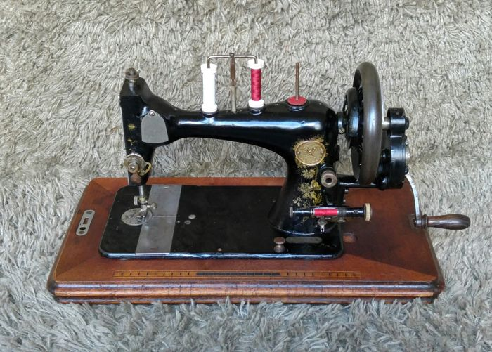 Rare Clemens Müller - Antique Sewing Machine - Germany - 1910s
