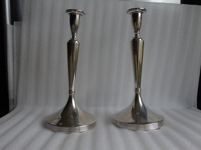 Beautiful pair of sterling silver candlesticks, France, 20th century
