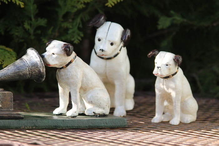 3 Cast Iron Dogs With Gramophone The Logo Of ''His Masters Voice''