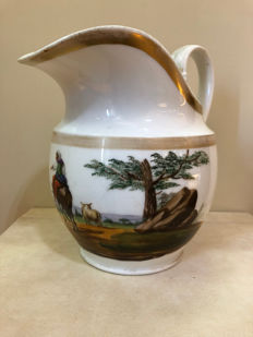 Polychrome ceramic jug with gold finishes Engraved with the Fabbrica Giustiniani logo