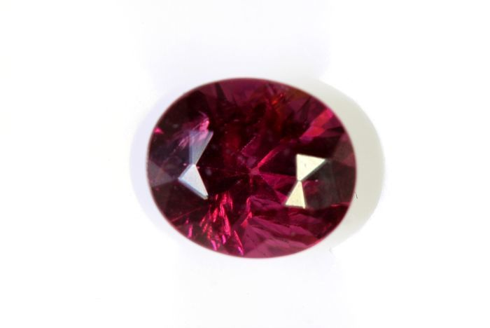 Rhodolite - 1.56 ct - Red - Fine Colour Quality