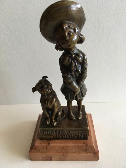 Carl Kauba (1865-1922) - 'Buster brown' - Art Deco bronze sculpture on a marble base