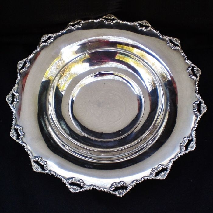 Silver plated centrepiece bowl Giuseppe Gabrieli Padua (Italy), mid 20th century