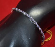 18 kt white gold tennis bracelet with natural sapphires No reserve price