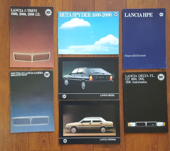 Lot of 30 Lancia brochures