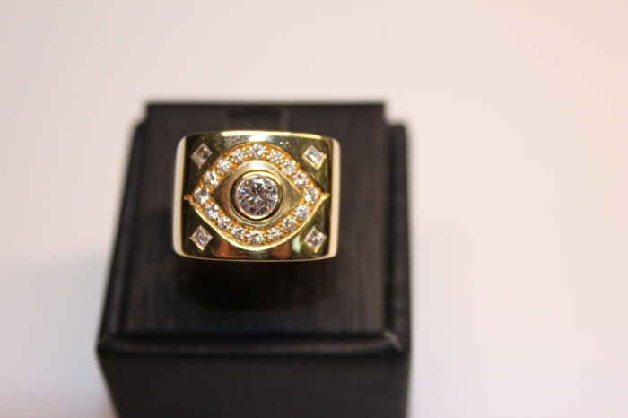 Vintage band ring in 18 kt/750 yellow gold - 11.74 g - approx. 1 ct of diamonds including 0.45 ct central diamond