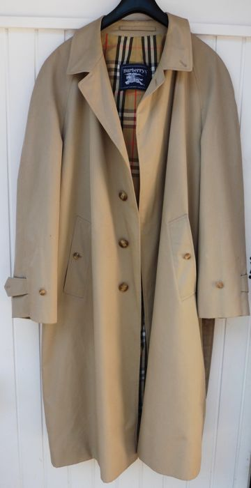 trench coats Vintage