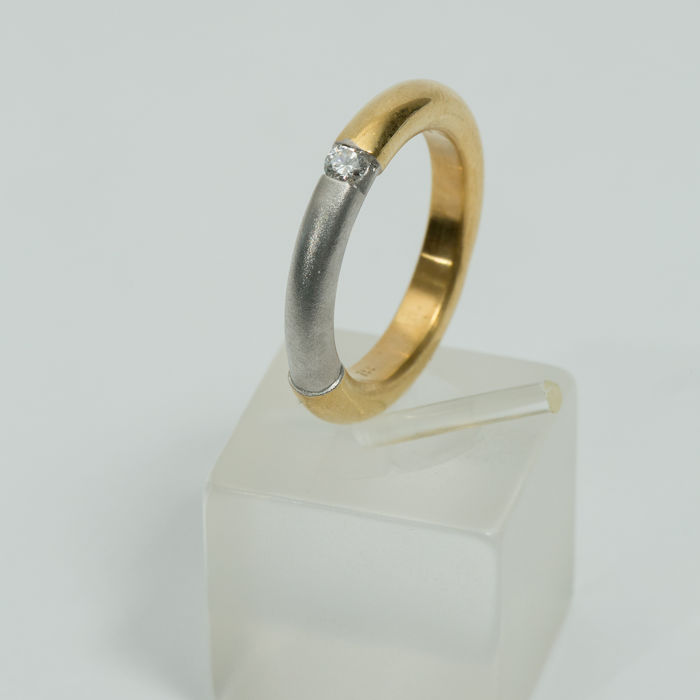 White and Yellow Gold 18K (750/1000) with diamond 0,09ct - size 54 - weight: 8,6gr