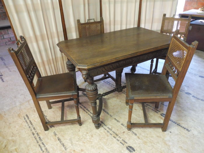 Oak Mechelen Dining table with 4 chairs - Belgium - ca. 1900