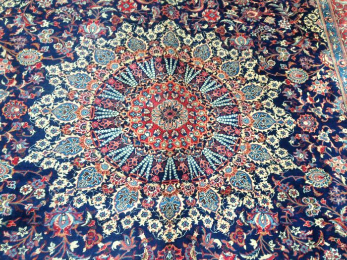 Saruk Persian carpet 400 x 300 cm