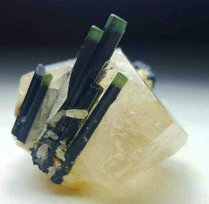 Fantastic Green Cap Tourmaline Crystals Penetrated In Quartz, 61 x 52x 42 mm, 91 grams.