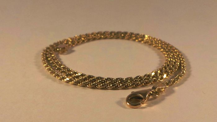 Chain in 18 kt gold, twisted links, 60.5 cm