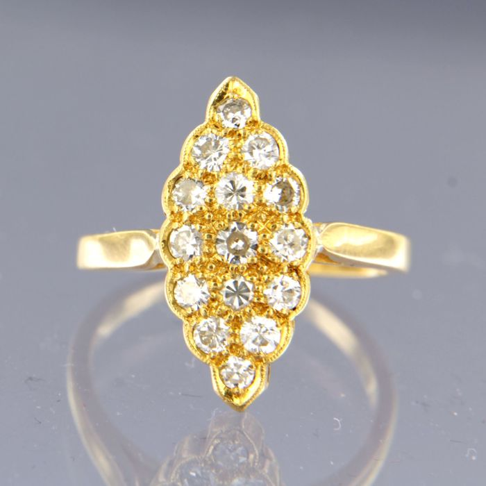 - no reserve price - 20 kt yellow gold marquise ring set with 16 diamonds in total approx. 0.50 carat