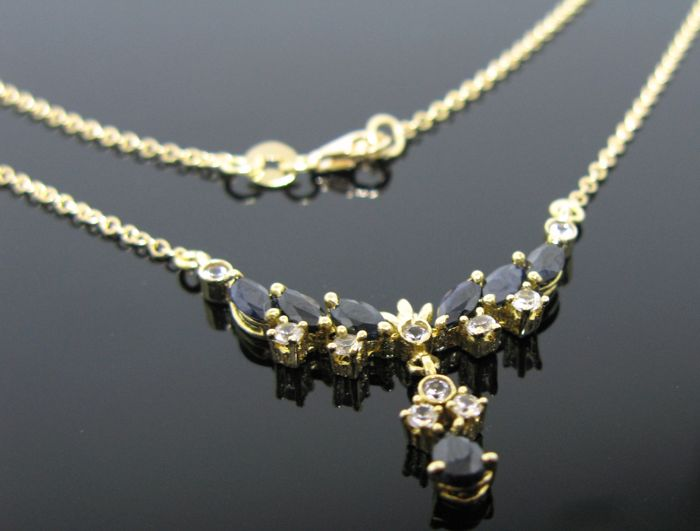 Necklace yellow gold 18 kt set with 6 sapphires marquise-cut ct 1,80 tot, 1 sapphire pear-cut ct 0,30 ct and 10 diamonds round-cut ct 0,30 tot G/VS1. Weight: 5,60 gr +++ no reserve price +++