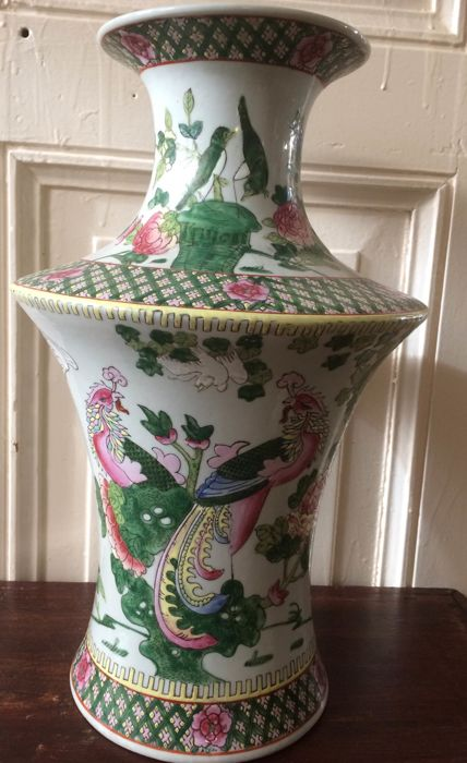 Chinese porcelain Famille rose vase - China - second half century