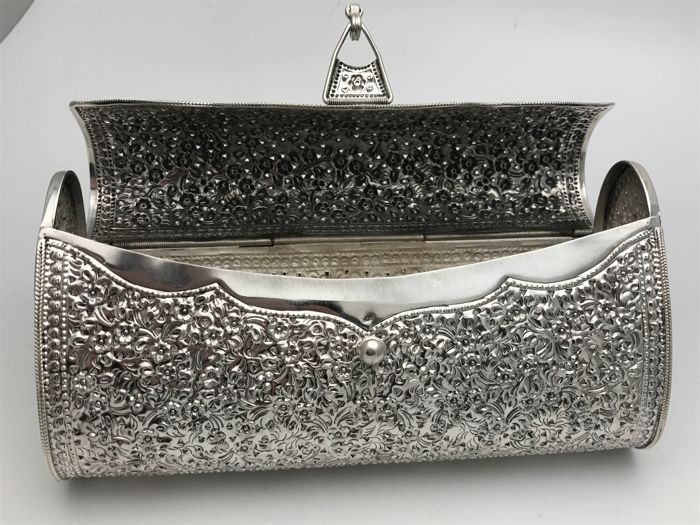b56bab6ab1cb5 floral clutch made of 925 Silver handmade evening bag, India, 20th century