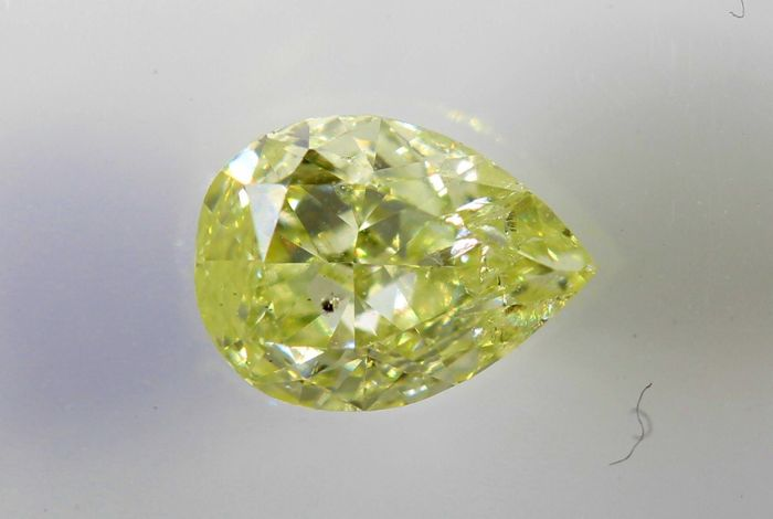 AIG Diamond – 0.39 ct – Fancy Light Yellow , SI2  – *  No Reserve Price *