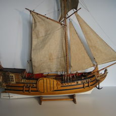 States hunting - wooden model boat - Middle 20th century