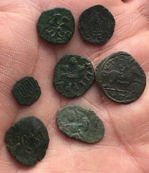 Italian mints - (6) Lot of medieval coins from the mints of Southern Italy - Aragonese, Swabian, Angevine and Norman - 12th and 13th century