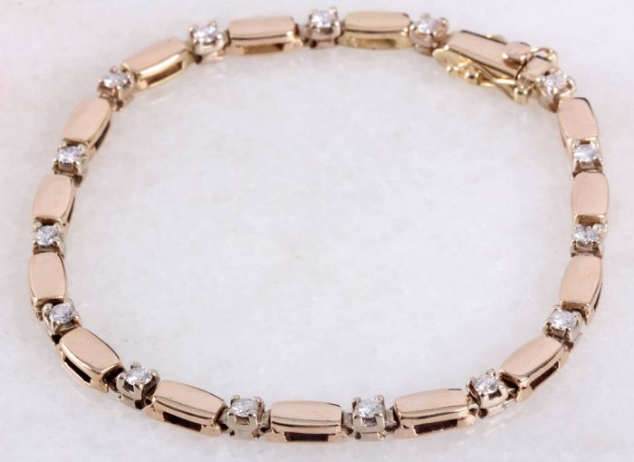 14 kt gold bracelet with 0.75 ct diamonds