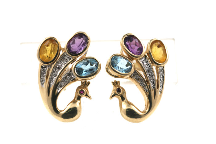 Multi-coloured 14 kt yellow gold 'Peacock' earrings with 0.25 ct diamonds and with amethyst, blue topaz and citrine, 0.70 ct each and 0.02 ct ruby - size: 22.02 × 15.59 mm