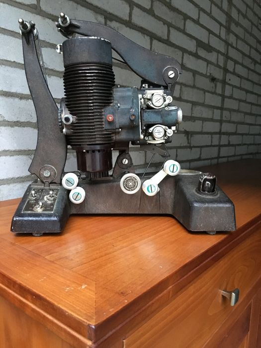 Bell & Howell, Filmo 129B, 16mm film projector