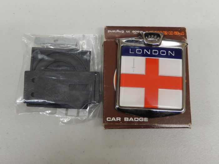 UK London Badge - Vintage Renamel Metal and Plastic London England Car Badge Auto Emblem