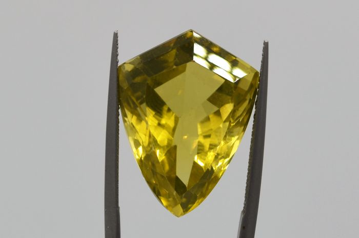Citrine - Yellow Green - 27.03 ct - No Reserve Price