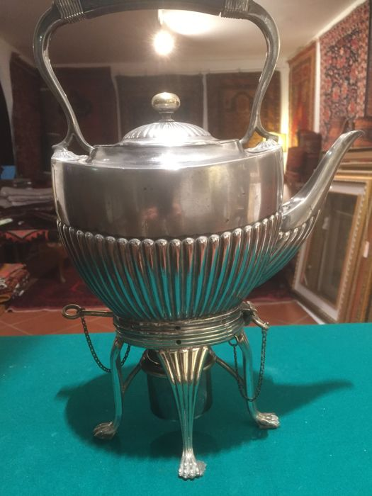 (1870-1901) Victorian silver plated teapot by William Hutton of Sheffield