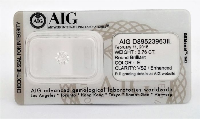 Round Brilliant Cut  - 0.76 carat  - E color  - VS2 clarity  - Natural Diamond - Sealed AIG