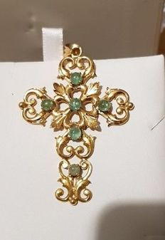 Cross in 18 kt and emeralds