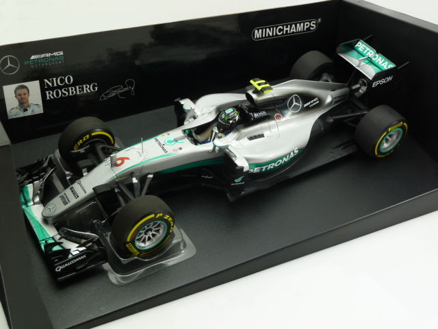 Minichamps - Scale 1/18 - Mercedes AMG Petronas Formula One Team F1 W07 Hybrid - Nico Rosberg World Champion