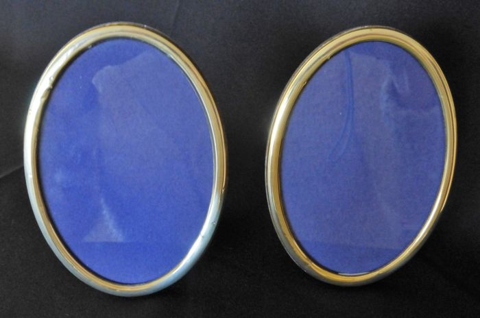 Two oval gilded silver photo frames, Italy, 20th century