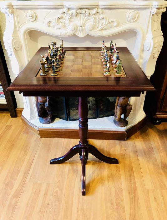 French vs. Spanish Chess Table