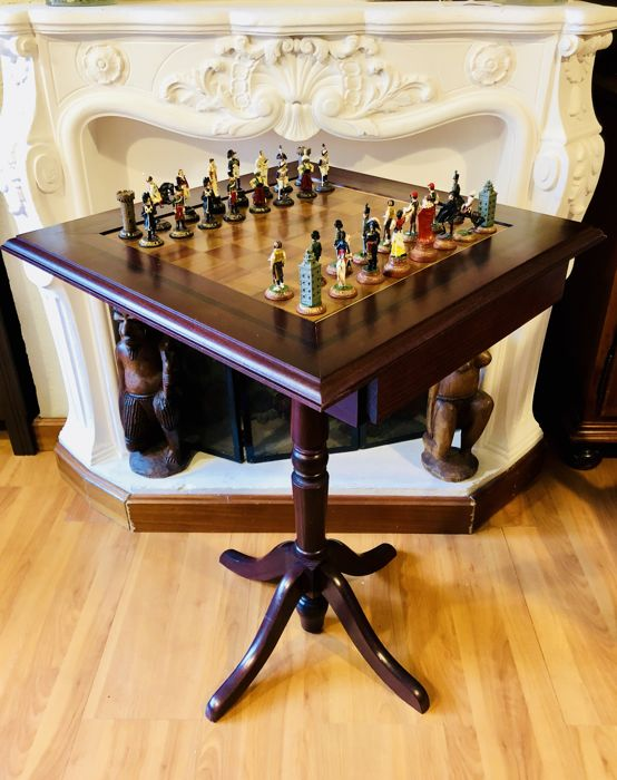 Antique chess table French vs Spanish