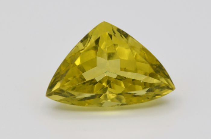 Citrine - Yellow Green - 14.00 ct  - No Reserve Price