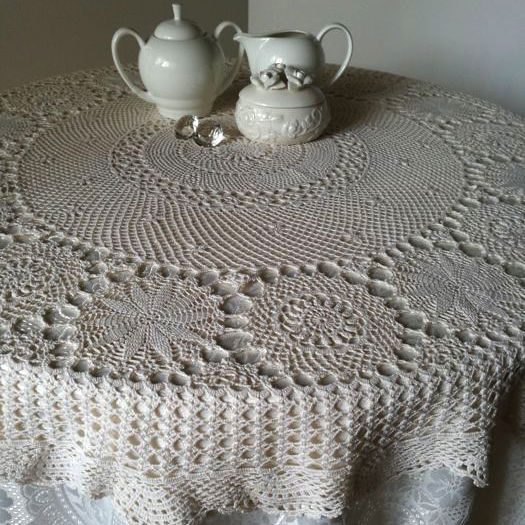 Crochet table cover Colour: Ivory. Italian manufacture.