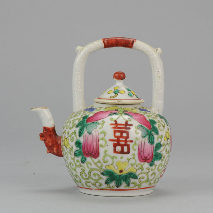 Antique Chinese porcelain teapot 19th century. South east market Multicolor - China - late 19C