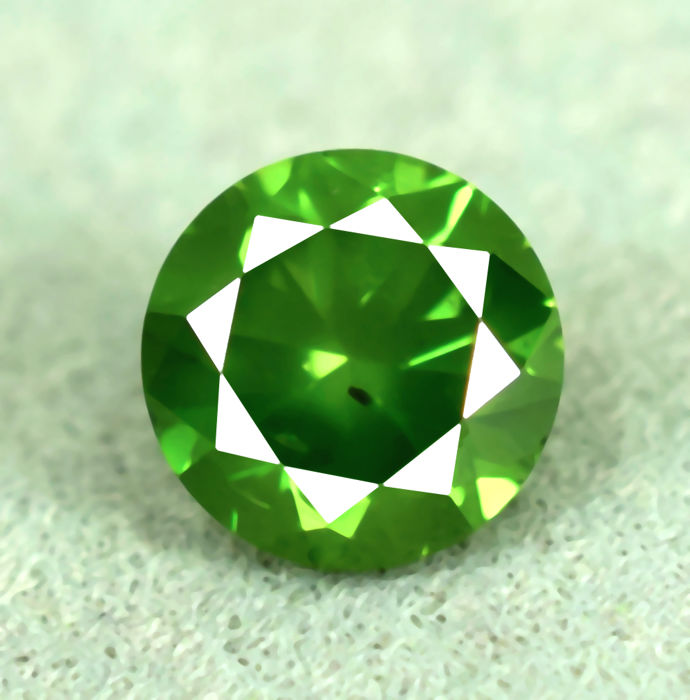 Green diamond - 0.51 ct, VG/VG/VG, NO RESERVE PRICE