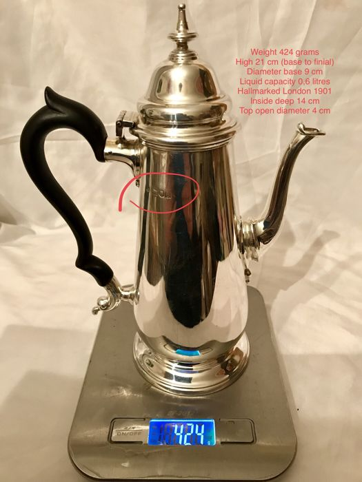 An Edwardian Queen Anne style silver coffee pot - possibly Thomas Bradbury & Sons - London - 1901