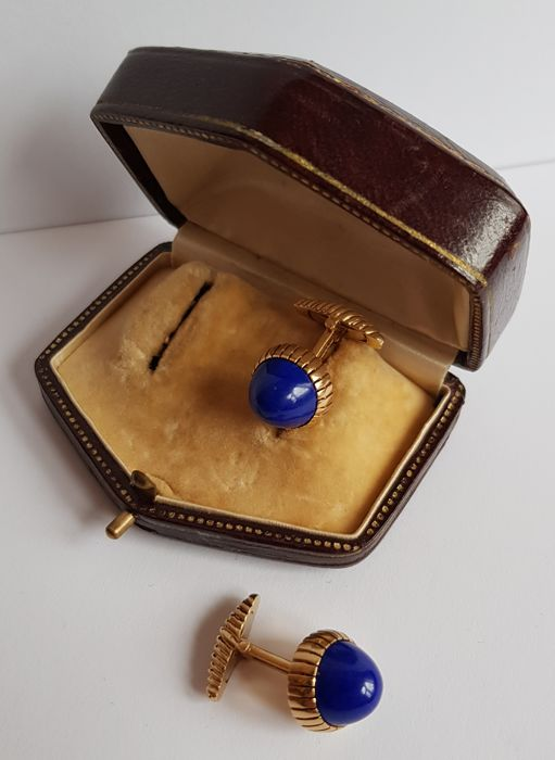 18 kt yellow gold cufflinks with lapis lazuli cabochons, 'Ansuini' Rome 1970