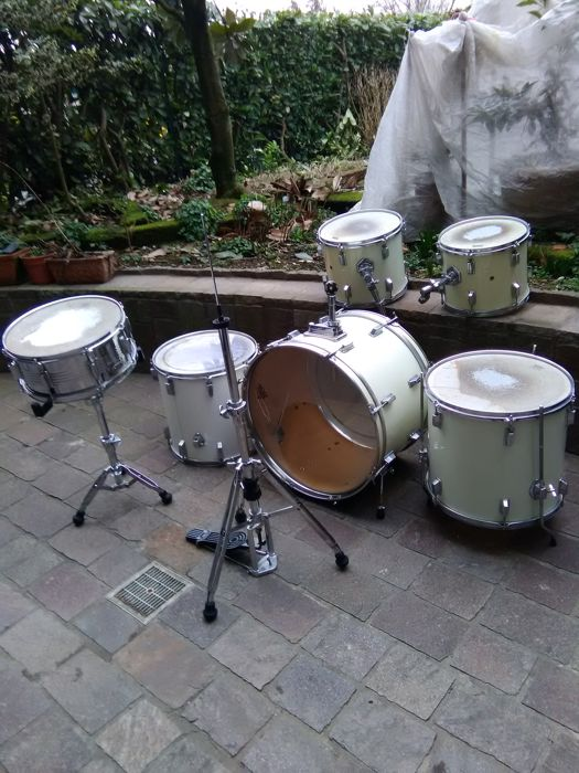 d39d06c2a47b Sonor drums set