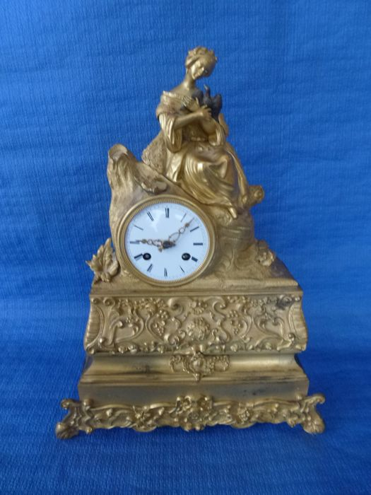 Clock set, gilded bronze – Romantic era – France – Early 19th century – Circa 1850