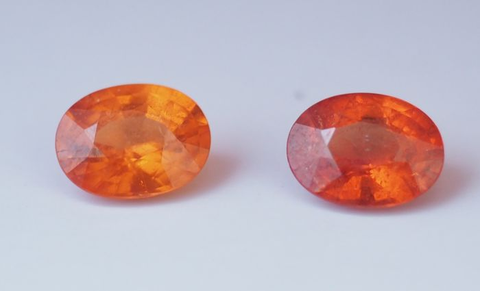 Two Spessartite garnet-Total weight 3.42 ct (pair)