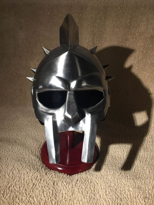 Gladiator mask, original weight and size