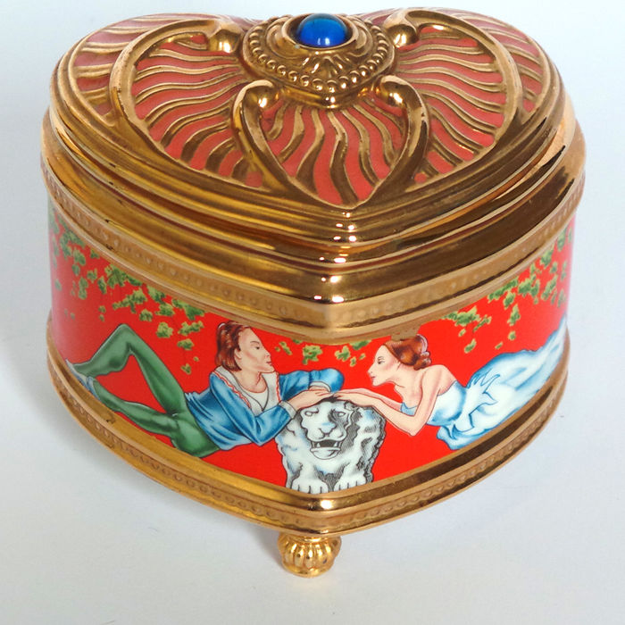 The House of Fabergé & TFM - Fine 24kt gold plated Porcelain Music Box