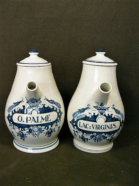 Old Delft - Pair of decorative (apothecary) lidded pitchers
